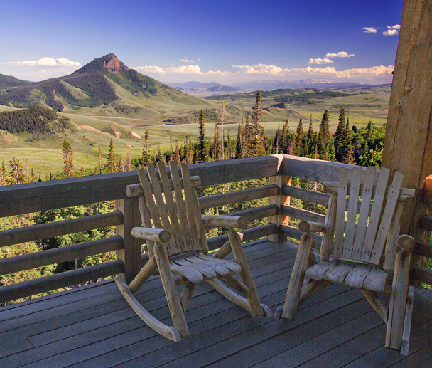 Bear-Mouintain-Lodge-Deck
